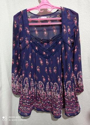 Красивая лёгкая темно-синяя с цветами и кружевом блуза туника вискоза 💯