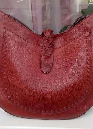 Стильная кожаная сумка marks&spencer.