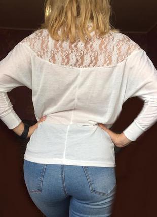 Акция!! стильная блузка с красивым кружевом на спине