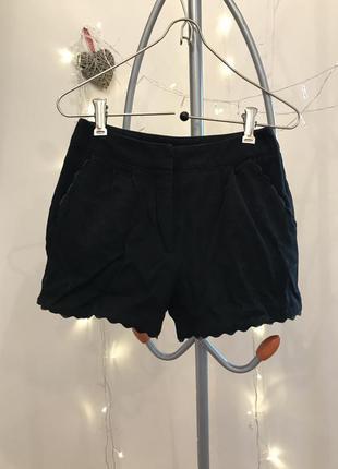 Чёрные шорты в деловом стиле naf-naf