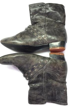 Чобітки, ботинки