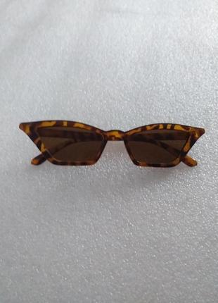 Леопардовые солнцезащитные ретро очки