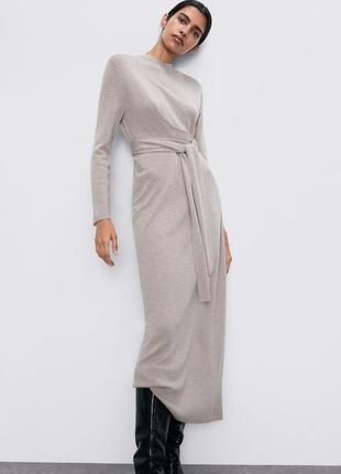 Брендовое шерстяное платье zara
