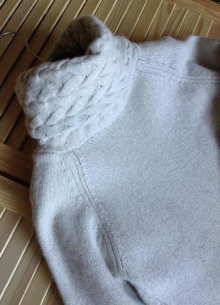 Шикарный светло-серый свитер с объемным горлом2