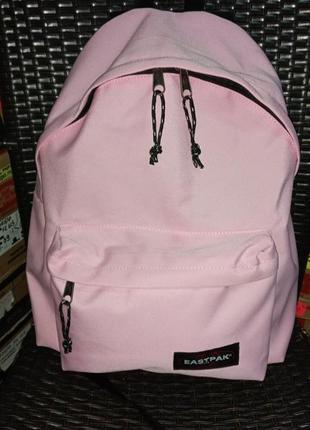 Нежно-розовый классный рюкзак eastpak