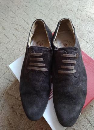 Замшевые фирменные туфли