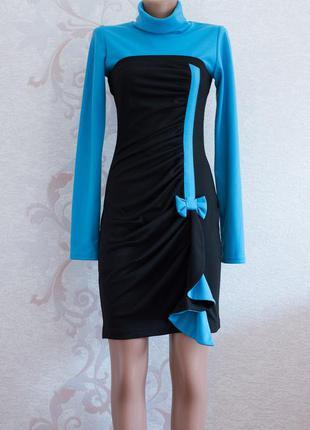 Шикарное теплое черно-голубое платье миди, платье-гольф по фигуре