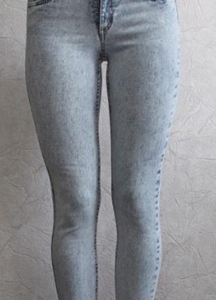Крутые джинсы скинни  h&m