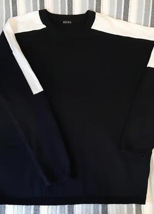 Стильный черный свитшот свитер с белой вставкой на рукаве.бренд amisu