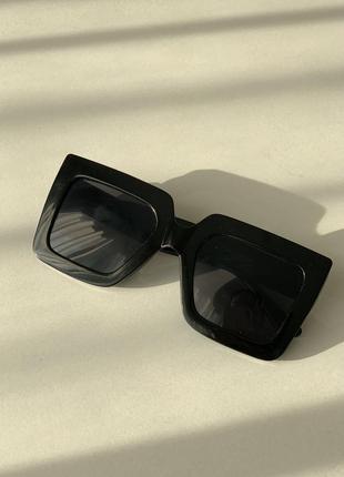 Солнцезащитные очки большие
