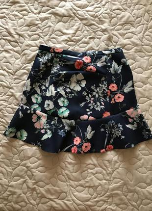 Крутая юбка zara в цветочный принт
