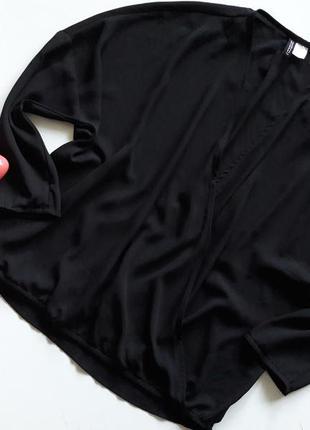 Черная блуза на запах....