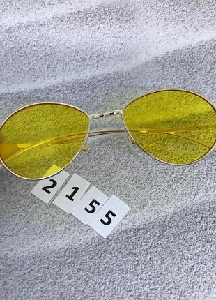 Топовые солнцезащитные очки с желтыми линзами