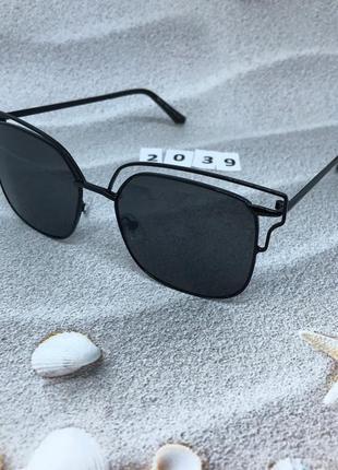Солнцезащитные очки, цвет линз черный