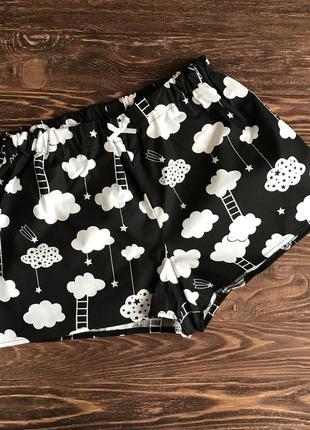 """Пижама женская с майкой и шортами """"облака и лесенки"""" на черном фоне2 фото"""