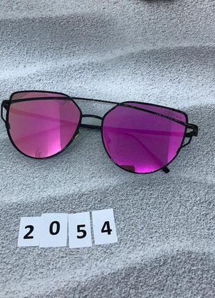 Солнцезащитные очки, цвет линз розовый