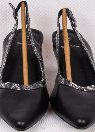 Кожаные туфли c&a