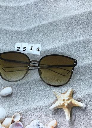 Солнцезащитные очки с коричневой линзой