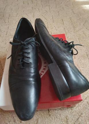 Кожаные фирменные туфли