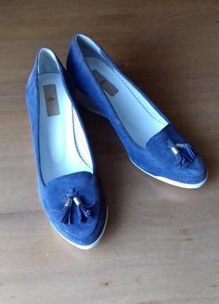 Нарядные туфли-макасины eiie