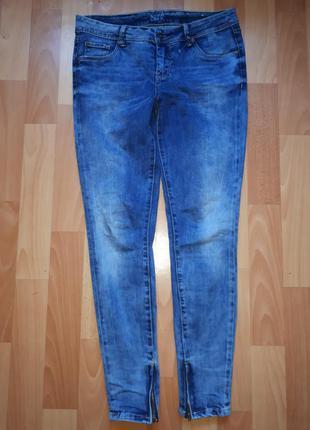 Качество супер плотные джинсы с замочками