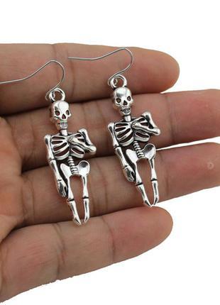 Готовься к хеллоуину заранее! прикольные серьги-скелетики