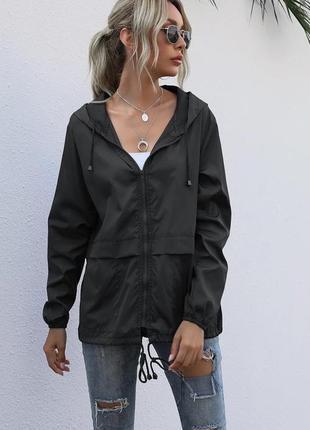 Ветровка женская с капюшоном короткая куртка деми плащевка