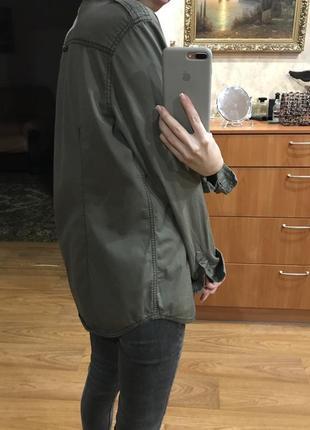 Хаки рубашка милитари удлинённая с карманами h&m3 фото