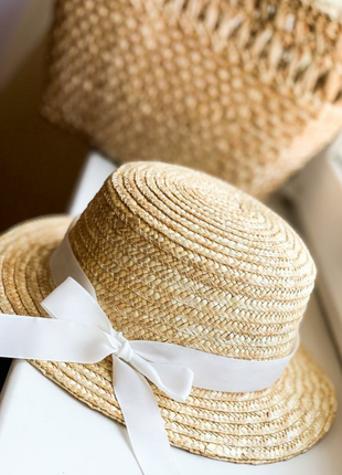 Соломенная шляпка канотье с белым бантом