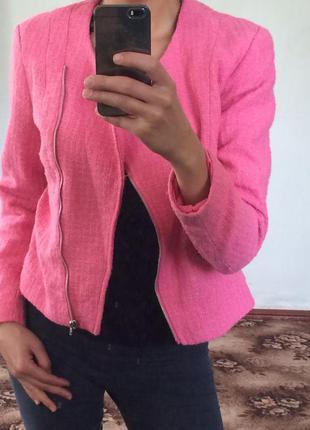 Крутая актуальная розовая косуха h&m стильная