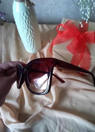 Женские солнцезащитные очки2 фото