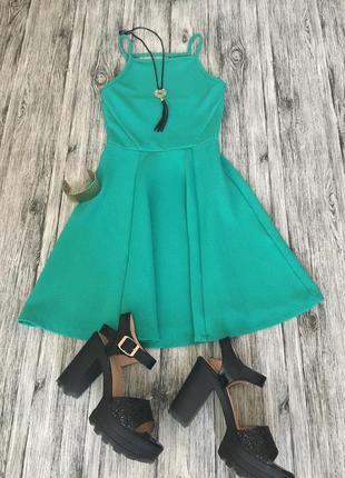 Фактурное платье h&m,с красивой спинкой ,рази 6