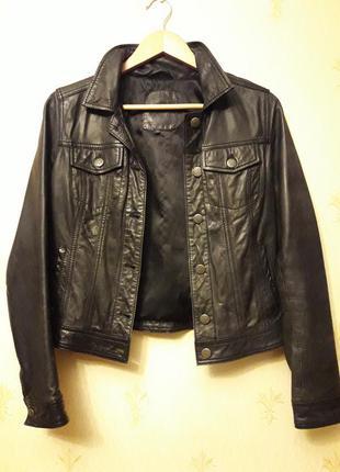 Кожаная куртка stradivatius