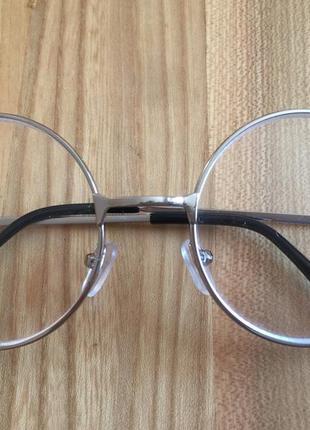 Трендова оправа для окулярів