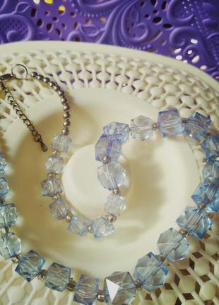 Нежное ожерелье из квадратных бусин