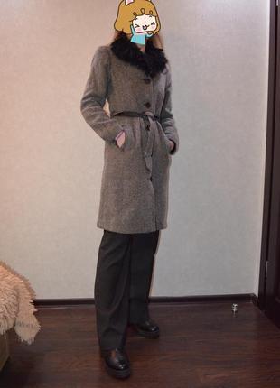 Классическое серо-черное пальто h&m
