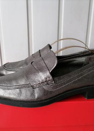 Кожаные туфли, лоферы фирмы zara