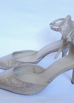 Красивенные!!!!! туфли р.39