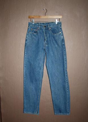 Актуальные винтажные джинсы мом бойфренд высокая посадка №141 levis