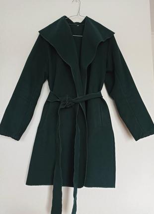 Жіноче пальто на запах