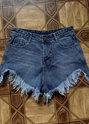 Рваные джинсовые шорты на лето украинского бренда zara mango h&m