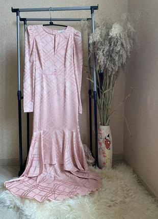 Allyson 10p m сатиновое макси пудрового цвета