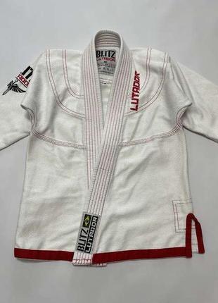 Кимоно толстое blitz lutador, для боевых искусств, 120-130, сост. отличное!