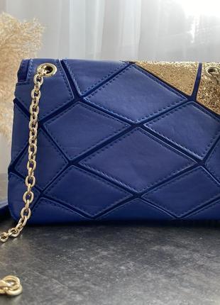 Новый, синий клатч с цепями3 фото