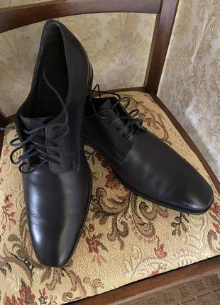 Туфлі чоловічі роз 43 boss стан нових шкіряні