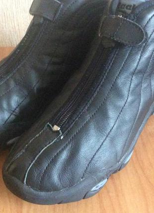 Кожаные ботинки -кроссовки reebok 38р