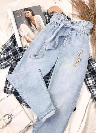 Стильные джинсы на высокой посадке с поясом denim co