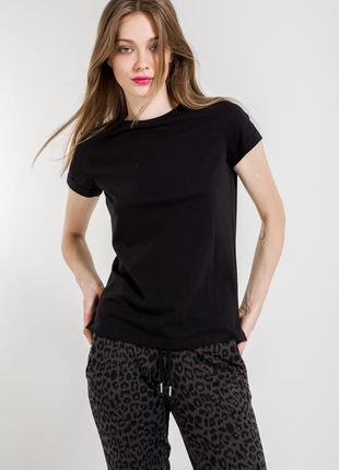 Чёрная футболочка от calliope