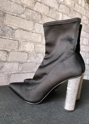 Ботинки-носки с каблуком со стразов 39-40