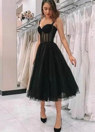 Красивое платье с имитацией корсета1 фото